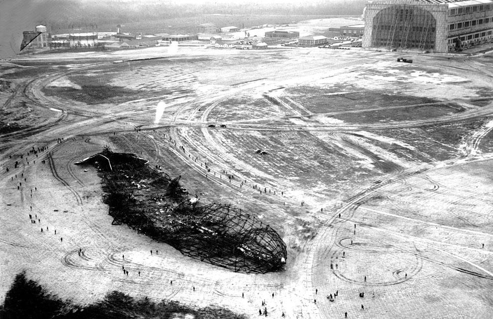 Burned out wreck op the Hindenburg