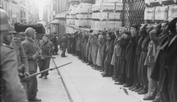 Civilians are taken prisoner in Rome